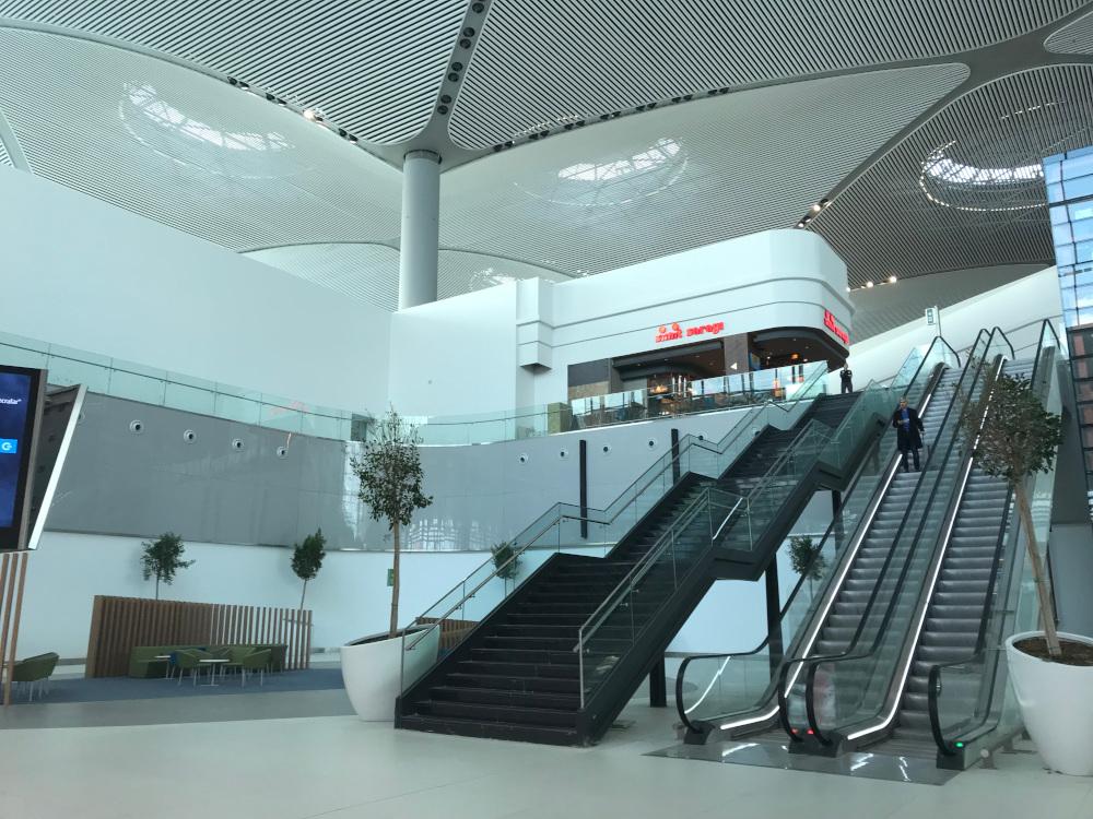 Schindler istanbul havalimanı asansör250319