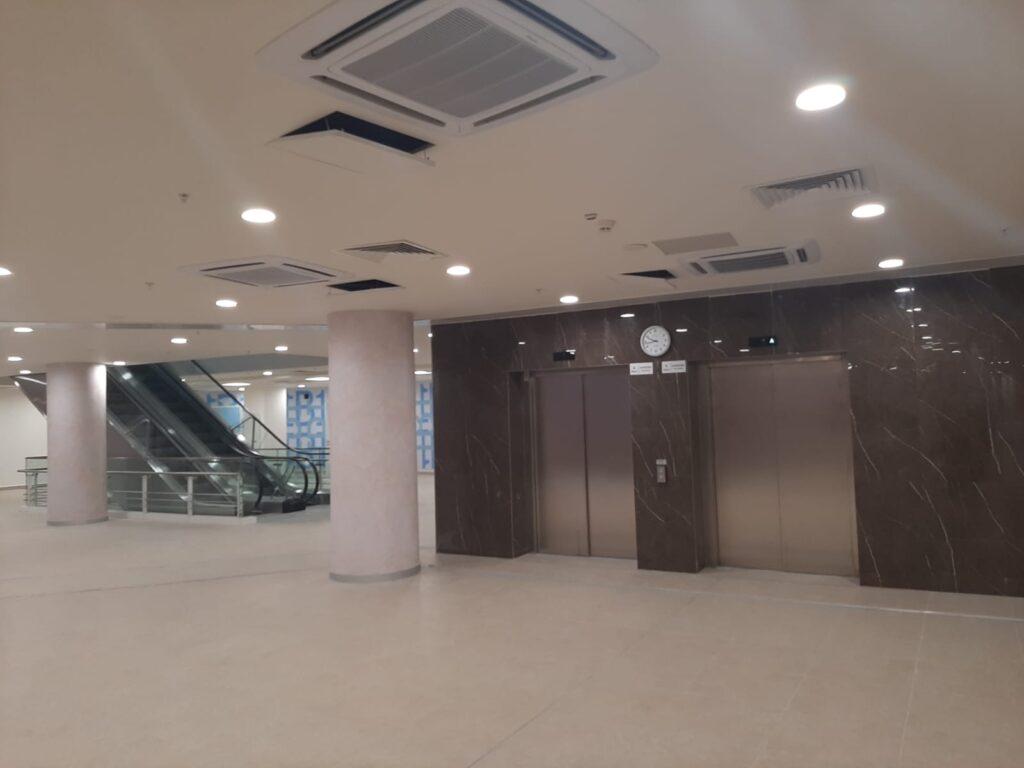 Okmeydani Sehir Hastanesi Asansor ve Yürüyen merdiven