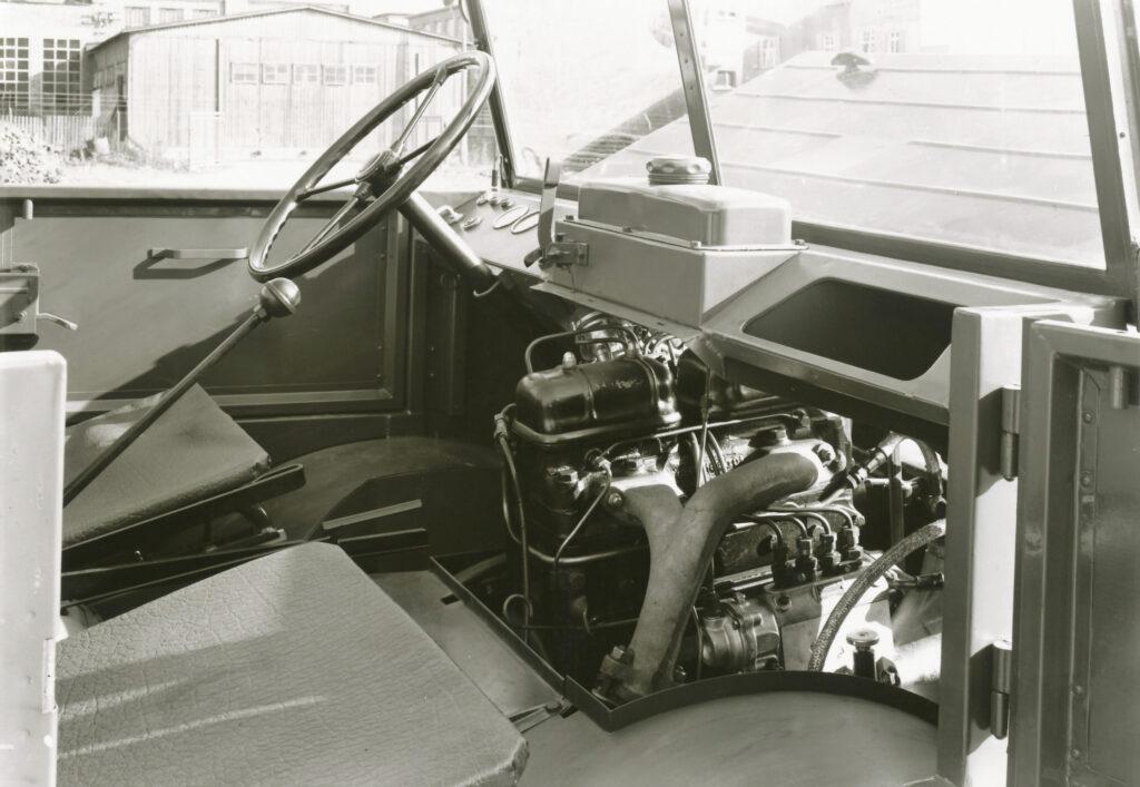 04 Daimler Benz OM 636 motorlu 1950 Unimog