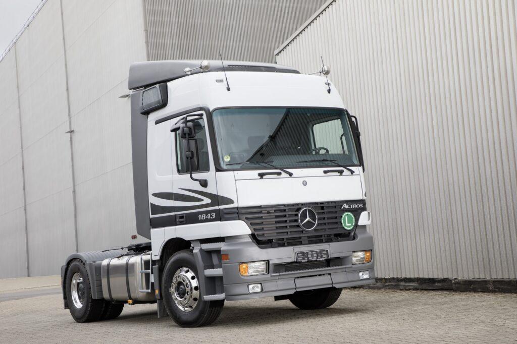 07 Mercedes Benz Actros 1843 LS 4x2 2000
