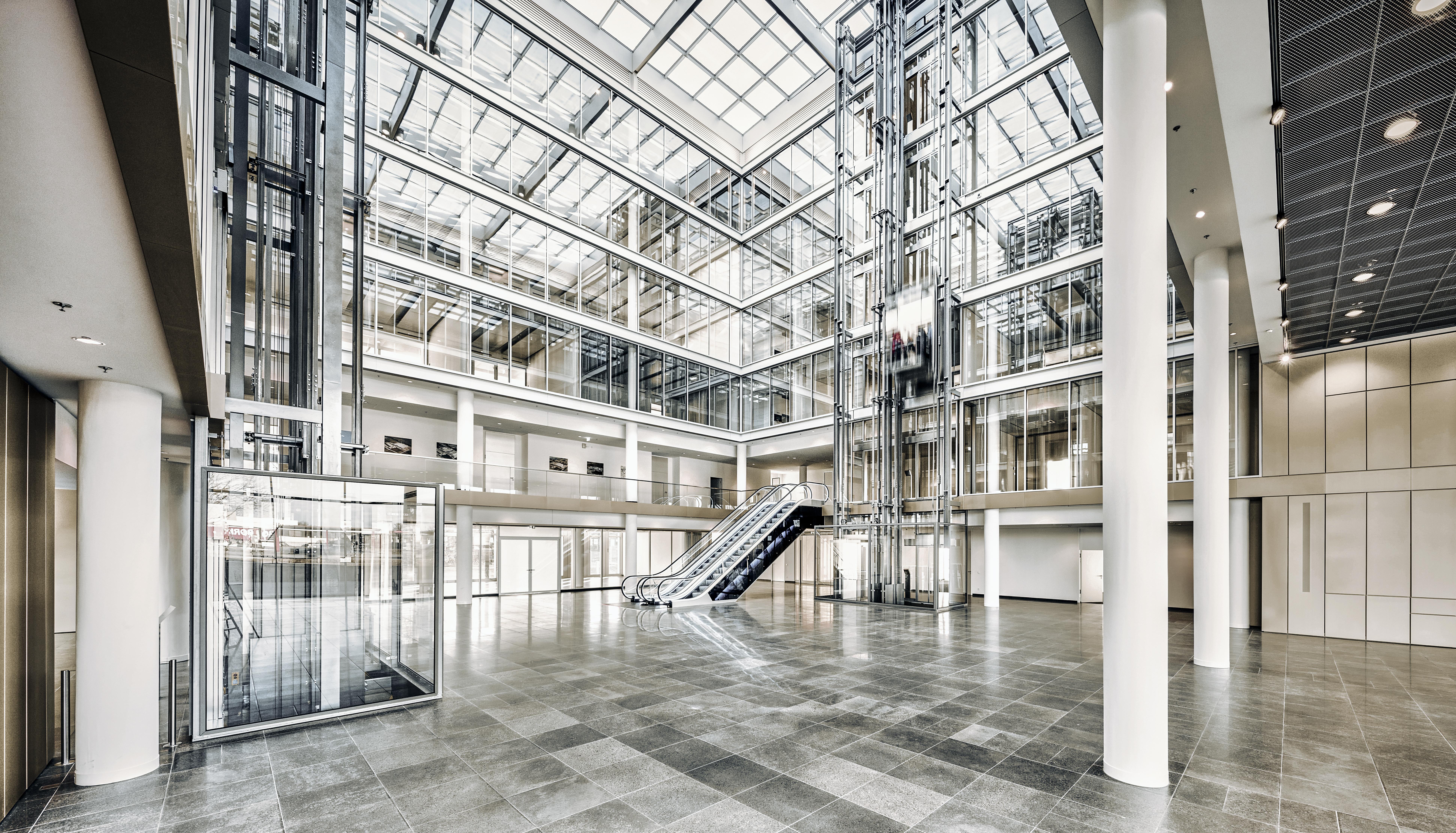 Asansor Yuruyen Merdiven Uygulama
